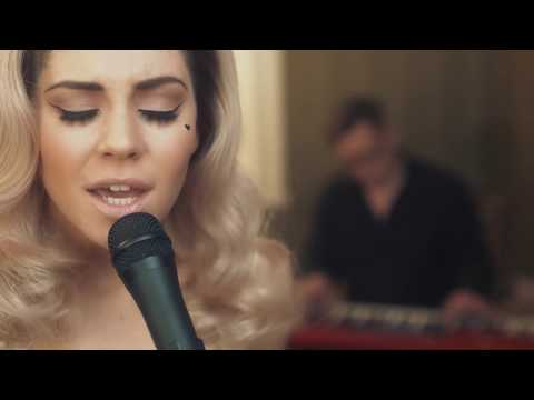 Marina and the diamonds - starring role [acoustic]