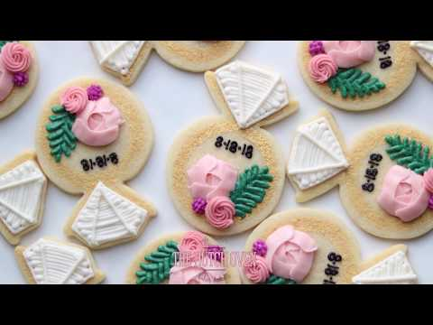 How to frost a wedding ring cookie for bridal shower or wedding day.