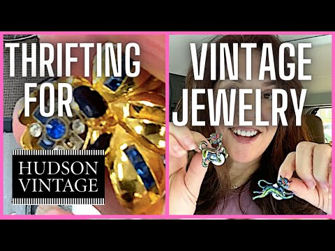 Thrifting for vintage jewelry with an expert!!