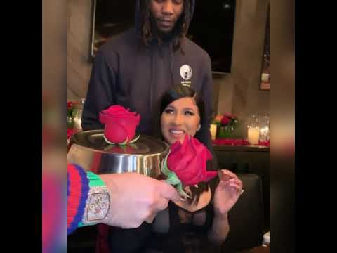 """Offset gifts cardi b with a """"titanic diamond"""" ring for her birthday #cardib #offsetyrn #ring"""